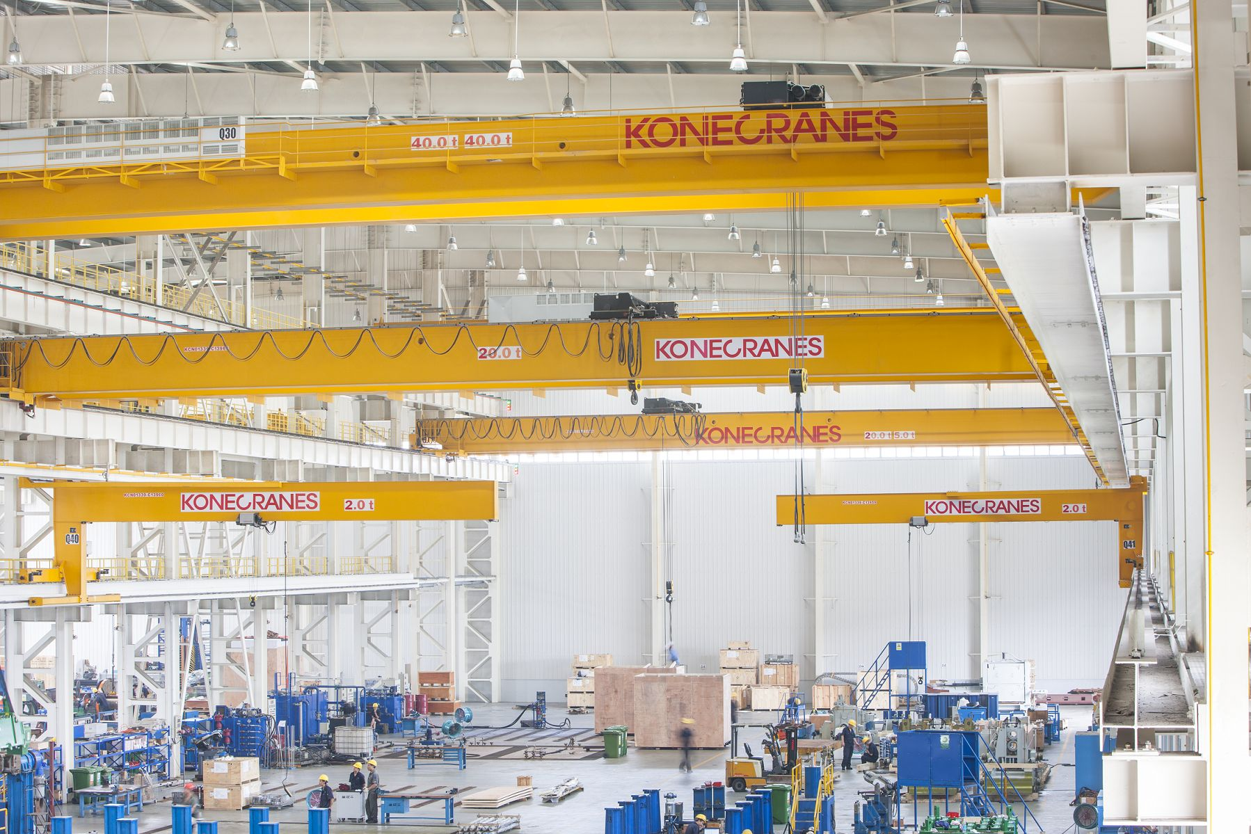 Konecranes_Industrial_Cranes_Operating_in_Manufacturing_Sector.jpeg