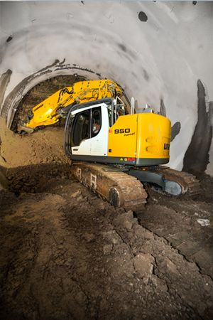 Liebherr R 950 Tunnel (2)